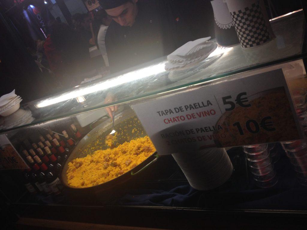 Tapa de Paella y chato de vino, 5€