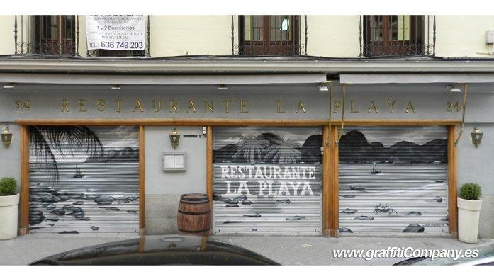 Graffiti-en-Persiana-La-Playa-Madrid
