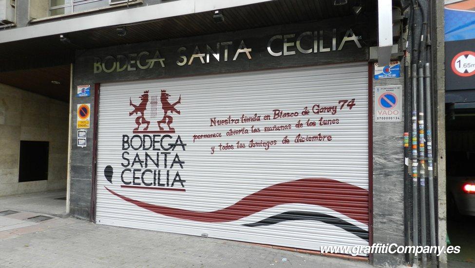 cierre-persiana-graffiti-decoracion-madrid-bodega-santa-cecilia